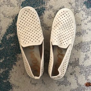 Comfy Creme Sam Edelman Sneakers